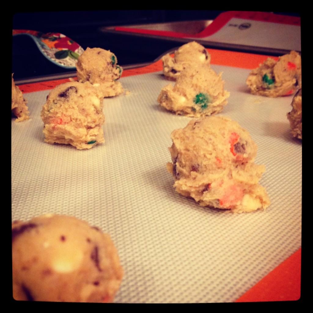 white choco pumpkin spice choco chip cookie dough
